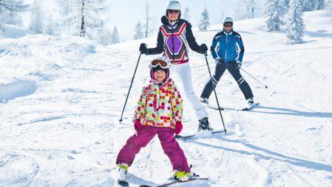 familie winter skifahren 1