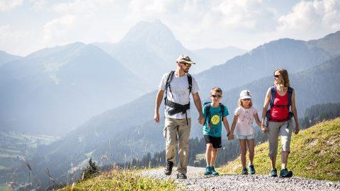 wandern familie sommer